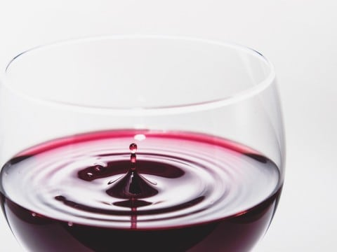 Laundry tips removing stains from clothes omo for How to remove red wine stain from cotton shirt